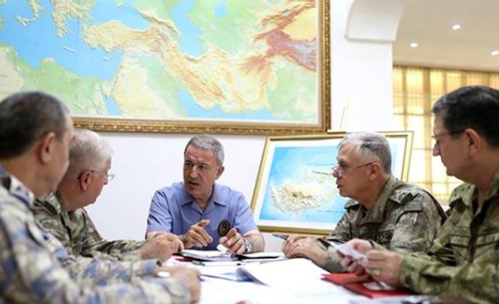 Bakan Akar'dan ABD ve Rusya'ya kritik Suriye mesajı