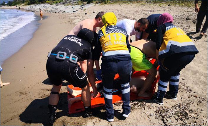 Sürmene'de serinlemek için denize giren genç boğuldu!
