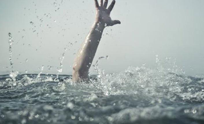 Rüzgarlı havada denize girdi, boğulmaktan son anda kurtarıldı