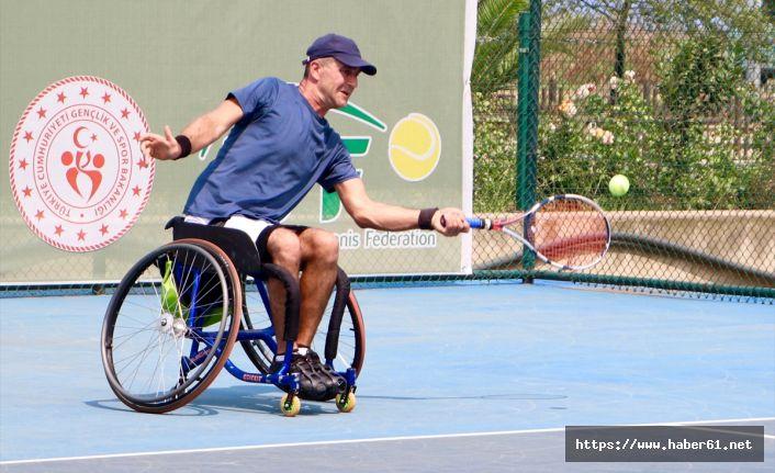 Tekerlikli sandelye tenis turnuvası Trabzon'da başladı