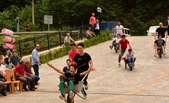 Dernekpazarı'nda 1. Çumur Festivali