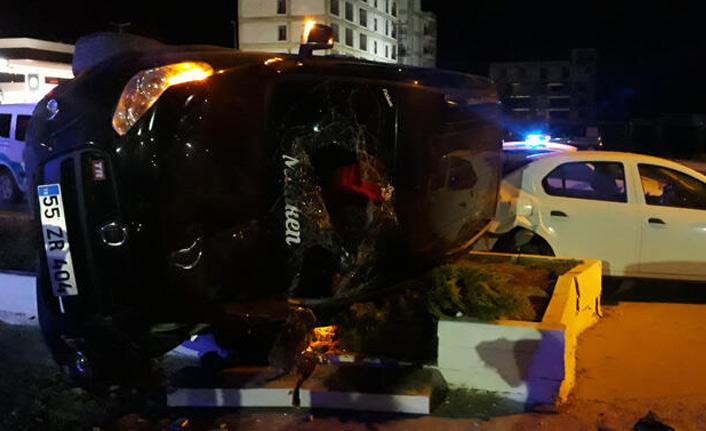 Göçmenleri taşıyan araç kaza yaptı!