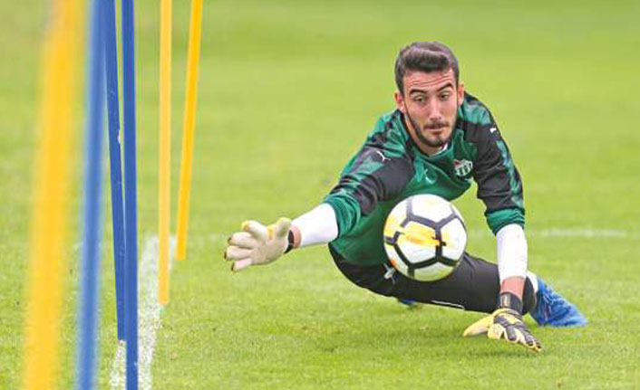 Trabzonspor'un ilgilendiği Muhammet Şengezer Başakşehir'de