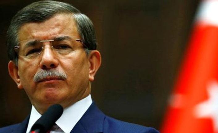 AK Parti'den ihracı istenen Davutoğlu'ndan ilk hamle