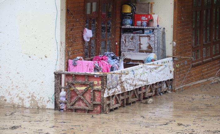 Rize'de şiddetli yağı: 16 kişi tahliye edildi