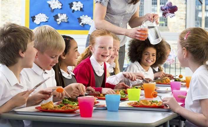 Okul çağındaki çocuklara beslenme uyarısı