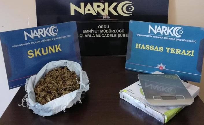 uyuşturucu tacirleri yakayı ele verdi !