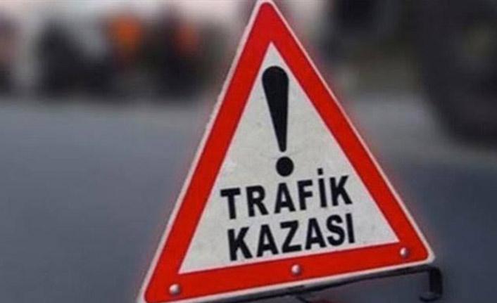 Devrilen otomobilde 5'i çocuk 9 kişi yaralandı