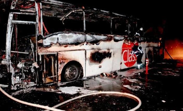 Yanan otobüste 31 kişi ölümden döndü