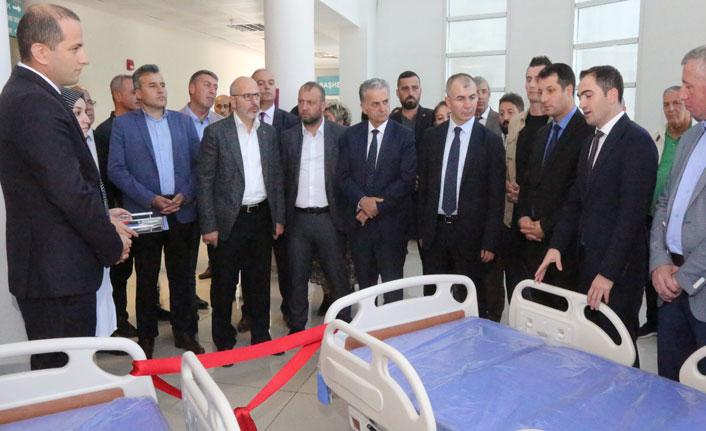 Hopa Devlet Hastanesine motorlu hasta yatağı bağışı