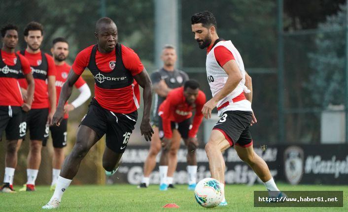 Trabzonspor'un rakibinde çalışmalar sürüyor