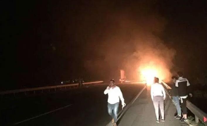 Futbolcuları taşıyan otobüste yangın çıktı!