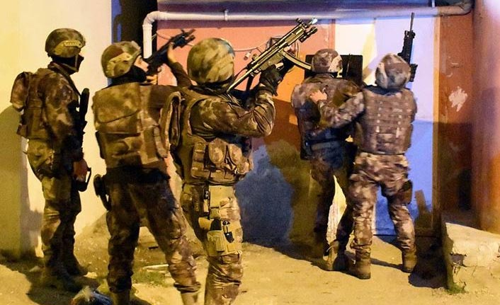 DEAŞ'a şafak operasyonunda 9 gözaltı