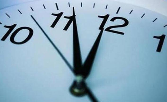 Şu anda saat kaç? Saatler geri alındı mı?