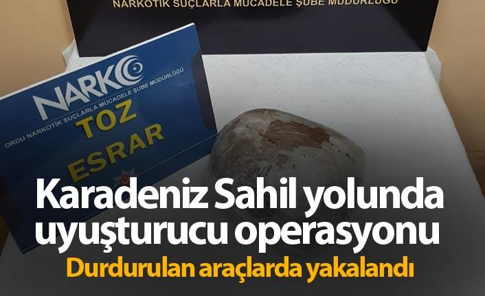 Karadeniz Sahil yolunda uyuşturucu operasyonu - Durdurulan araçlarda yakalandı