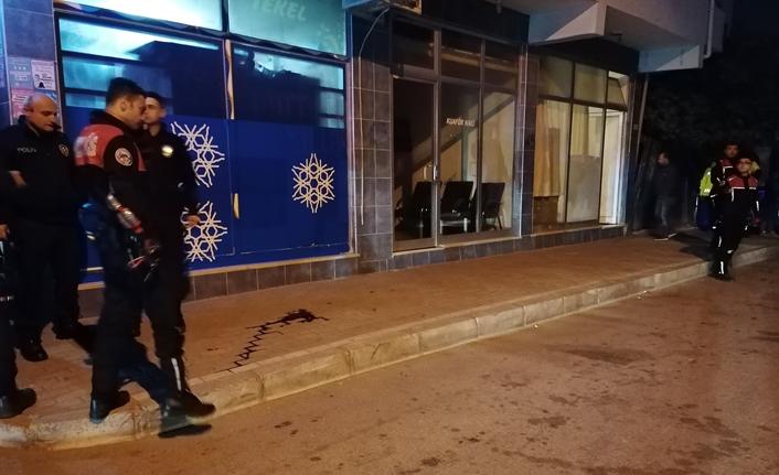 Sokak ortasında abi kardeşe silahlı saldırı!