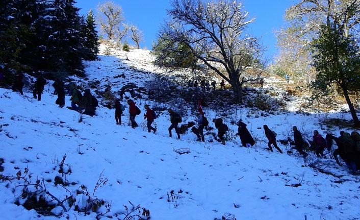 Dağcılar Zigana'da iki mevsimi yaşadı