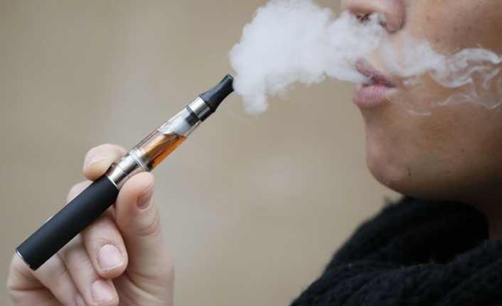 Elektronik sigara, sigaraya teşvik ediyor!
