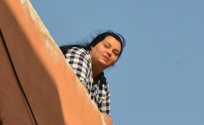 Kocasını terk etti, sonra çatıya çıktı! 'Başka bir adama kaçtı'