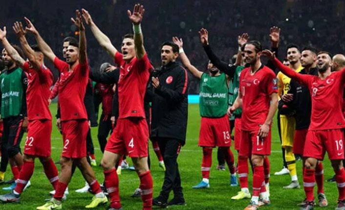 Milli takımda 9 futbolcu kadrodan çıkarıldı