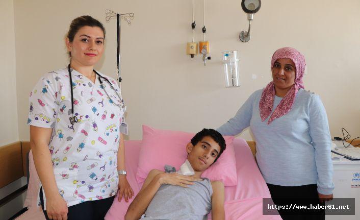 14 yaşındaki çocuktan 1,5 kiloluk ur çıktı