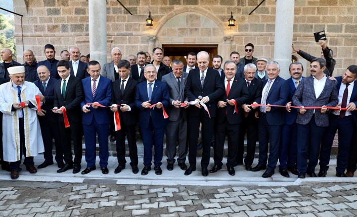 130 yıllık tarihi camiyi ibadete açıldı!
