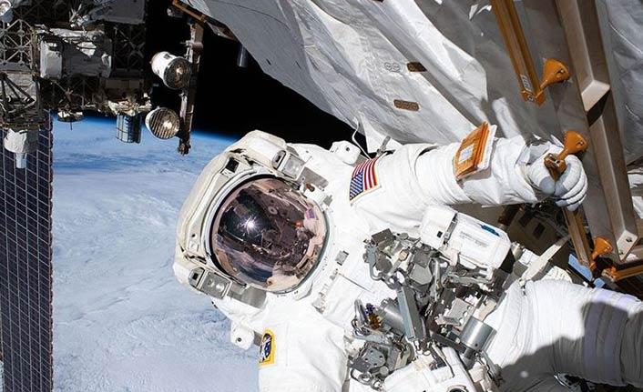 Uluslararası Uzay İstasyonu'ndaki astronotlar uzay yürüyüşüne çıktı