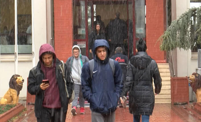 Özel okulda büyük şok! Öğrenciler hemen velilerini aradı...