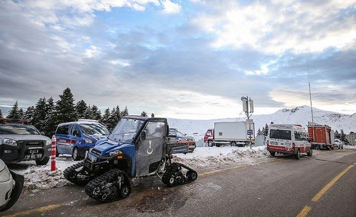 Kaybolan iki dağcı aranıyor