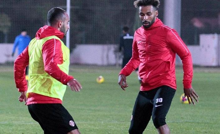 Trabzonspor'un rakibi Antalyaspor'da kadro belli oldu