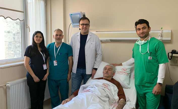 Trabzon'da şaşırtan ameliyat! Tam 130 gramlık taş...