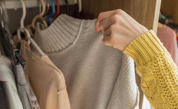 Kıyafetlerdeki küf kokusunu gidermenin püf noktaları