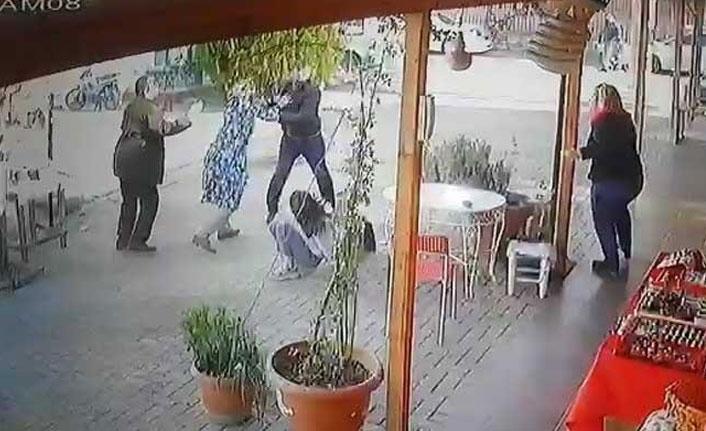 Kız öğrencileri kovalayan öfkeli babaya kadın esnaf engeli!