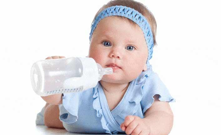 Fazla süt tüketimi bebeklerde kabızlık yapıyor!