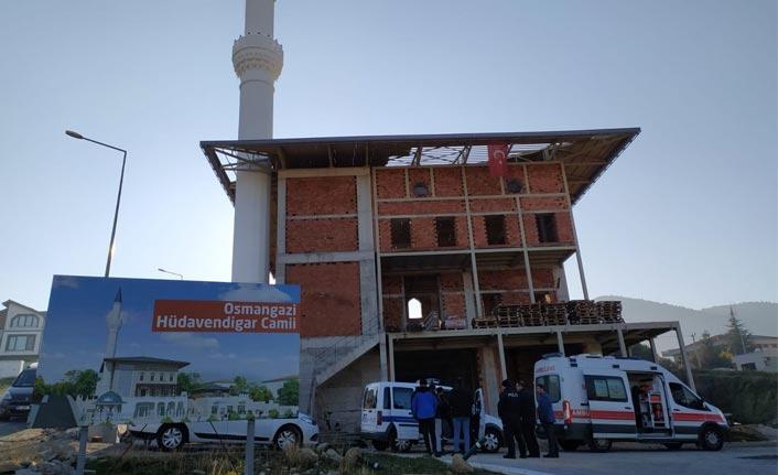 Cami inşaatından düşen genç işçinin acı sonu
