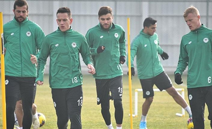 Trabzonspor'un rakibi Konyaspor'da son durum