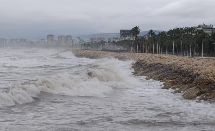 Mersin'de yağış etkili oluyor!