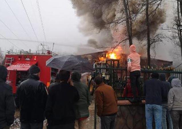 Bursa'da sosyal tesiste yangın çıktı