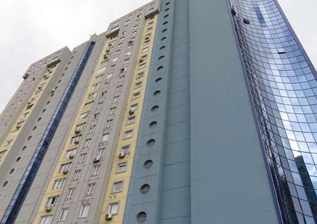 Bebek 20. kattan düşerek hayatını kaybetti