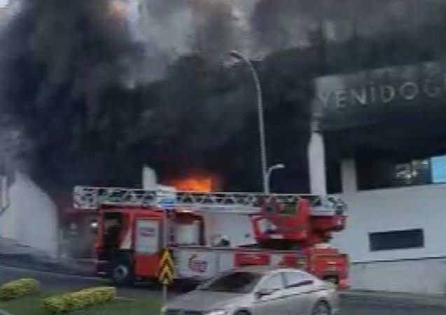 İstanbul'da özel okulda yangın paniği!