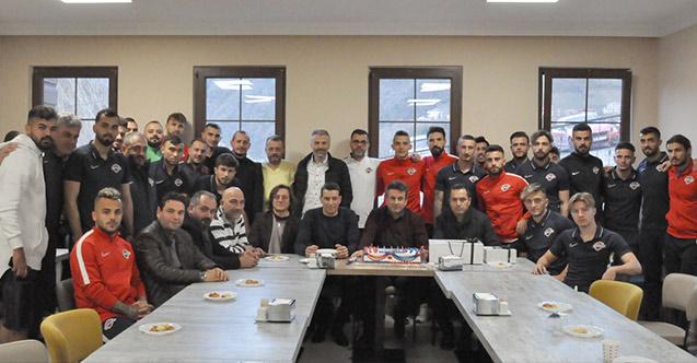 Celil Hekimoğlu'na sürpriz kutlama