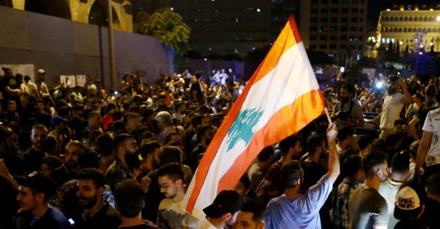 Beyrut'ta protesto: 90 yaralı