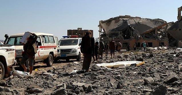 Husilerden Yemen'de askeri kampa saldırı