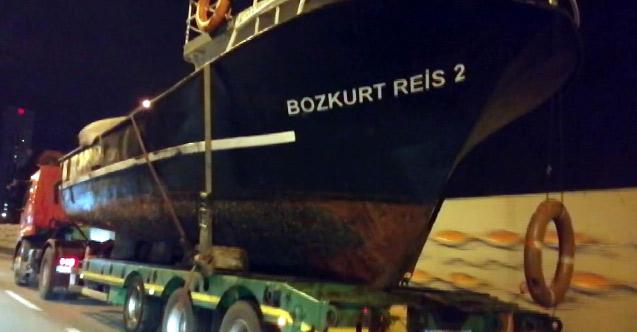 Gemiyi karadan yürüttüler