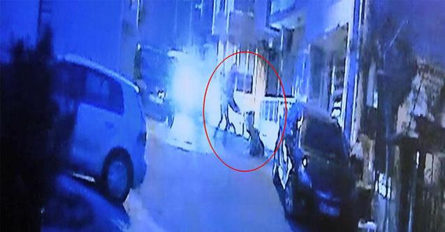 Kazada yaralanan iki kişi sıkıştıkları yerden itfaiyenin yardımı ile kurtarıldı