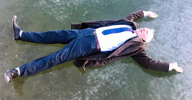 Bayburt'ta göl dondu ilginç görüntüler ortaya çıktı