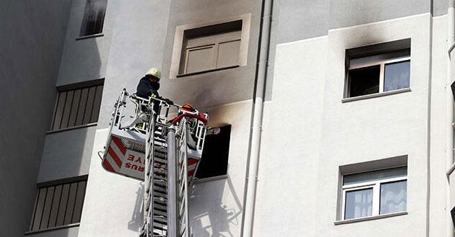 2 kardeş evde yangın çıkardı!