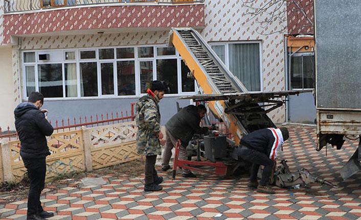 Elazığ'da depremzedeler için seferber oldular