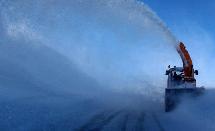 Bayburt ve Erzincan'da kapanan yollar açılıyor
