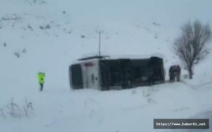 Halk otobüsü devrildi - 1 ölü, 20 yaralı